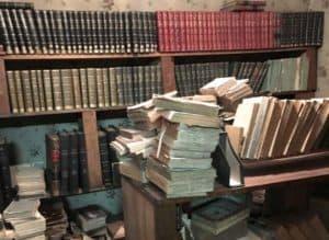 Bibliothèque de livres religieux